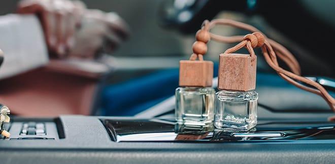 De bedste dufte til bilen: Gør køreturen mere behagelig!